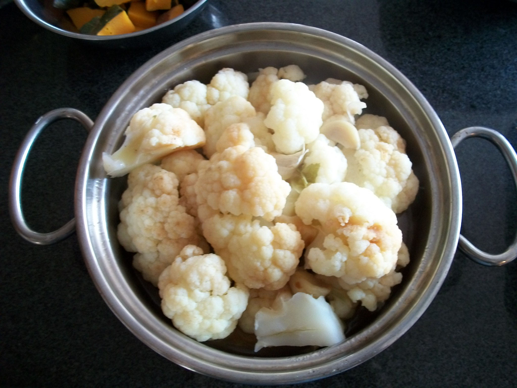 Stewed Cauliflower with Garlic